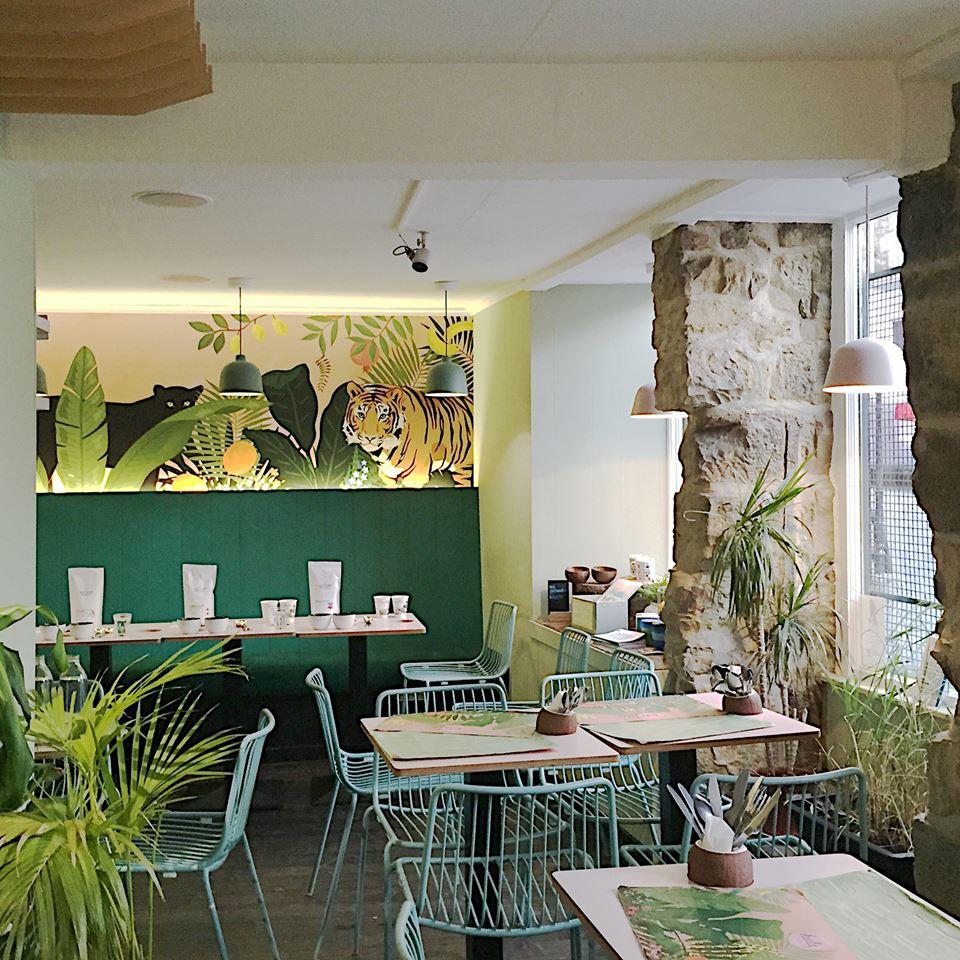hula juice bar cafe in edinburgh grassmarket